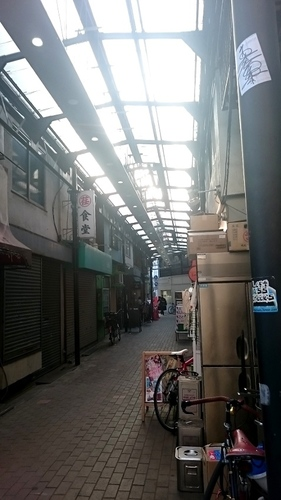 三軒茶屋栄通りの小道-a.JPG